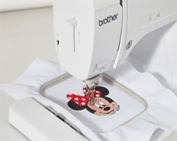 Brother-Innov-is-M240E-Disney-Bild7-250