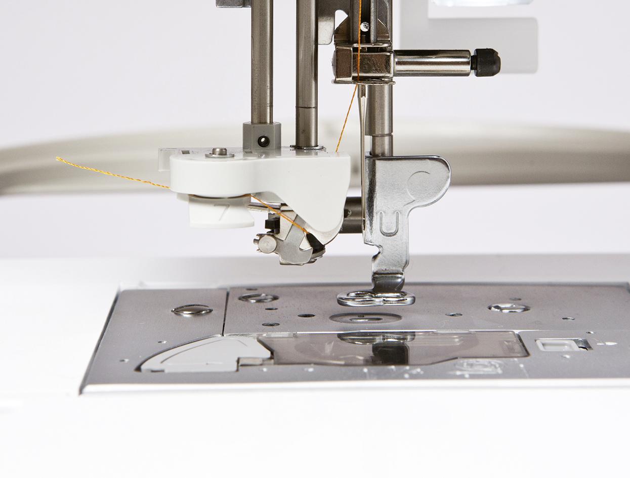Brother-Innovis-NV-800E-Stickmaschine-Bild-8