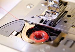 Brother-Innovis-20LE-Unterfadenschnellautomatik