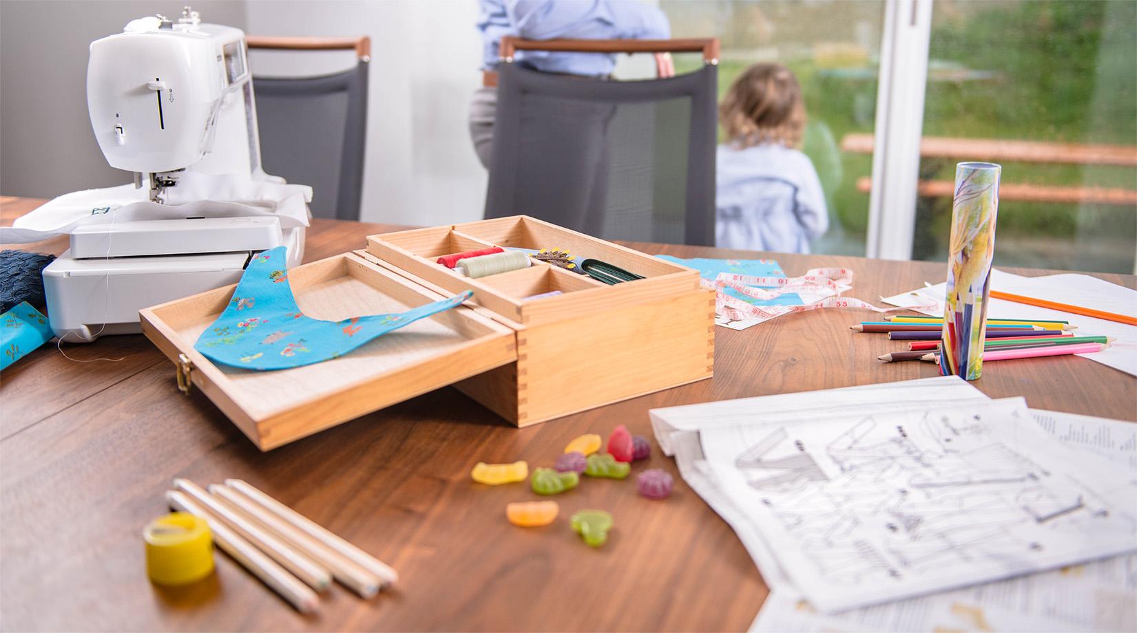 n h und stickmaschinen online kaufen n hmaschinen. Black Bedroom Furniture Sets. Home Design Ideas